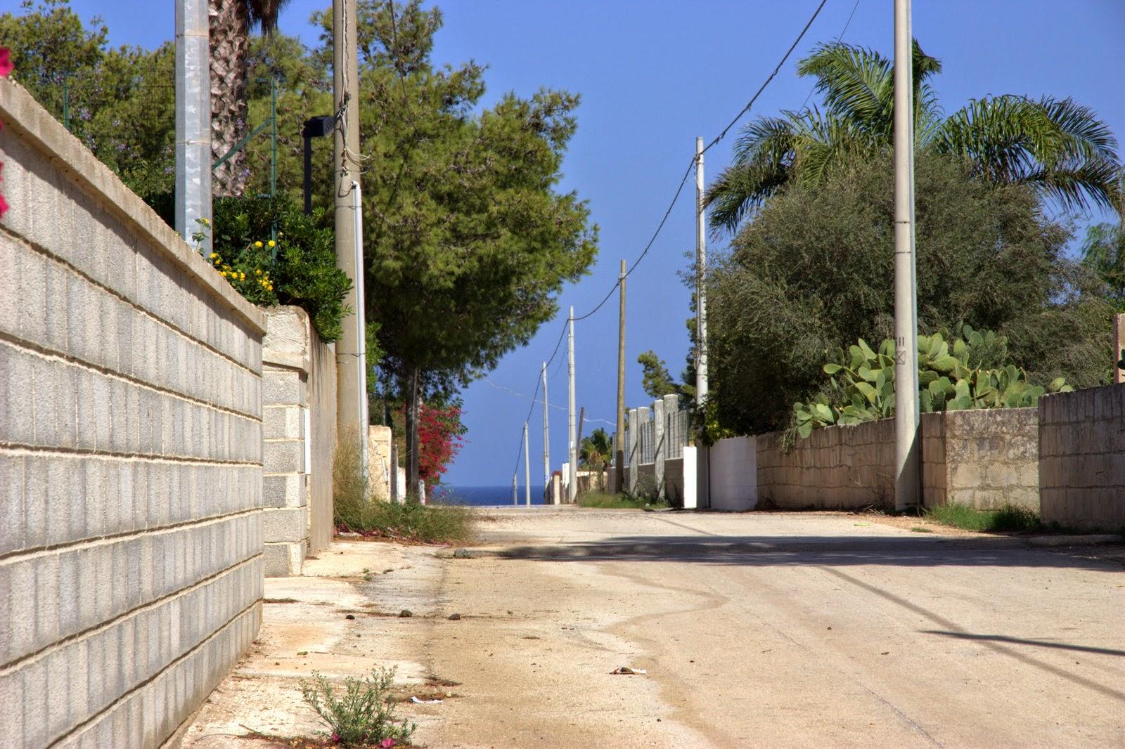 дорога к морю, ближайший песчаный пляж в 250 м.